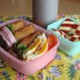 【塾弁】鮭カレーソテーとお稲荷さん