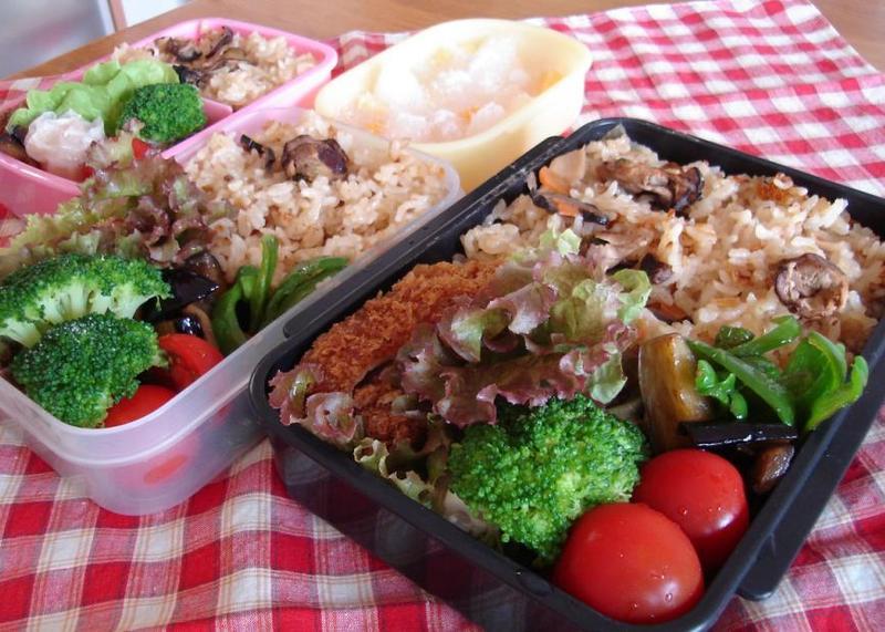 牡蠣飯とトンカツ弁当