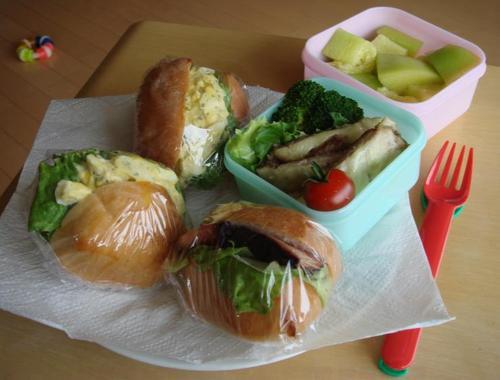 【塾弁当】玉子サンド、ベーコンサンド