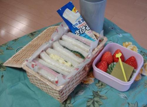 【塾弁当】ブルマンでサンドイッチ