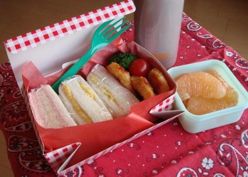 【中学弁当】イカリングとサンドイッチ