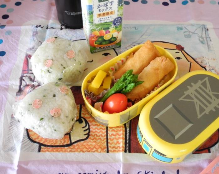 【高校弁当】青菜混ぜ込みおにぎり